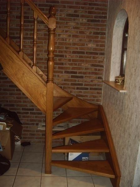 db interieur meer houten trappen